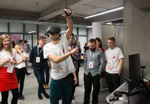Oculus Rift, HTC VIVE na konferencji TEDx. Stanowiska z wirtualną rzeczywistością.