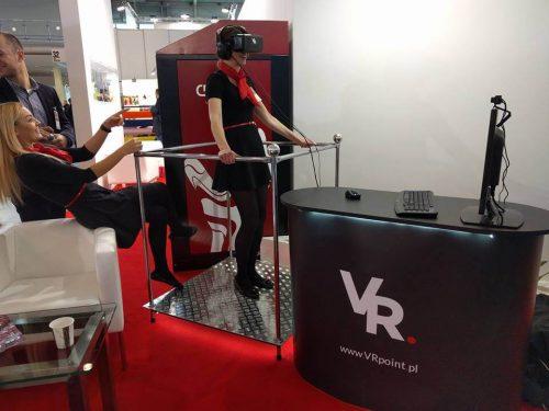 Stanowisko z dwoma urządzeniami Oculus Rift na targach BHP.