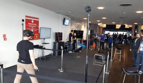 Konferencja IT z wykorzystaniem strefy z wirtualną rzeczywistością Oculus Rift i HTC VIVE.