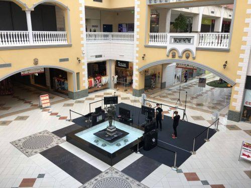 Strefa z wirtualną rzeczywistością w centrum handlowym Plaza Kraków. Oculus rift oraz HTC VIVE.